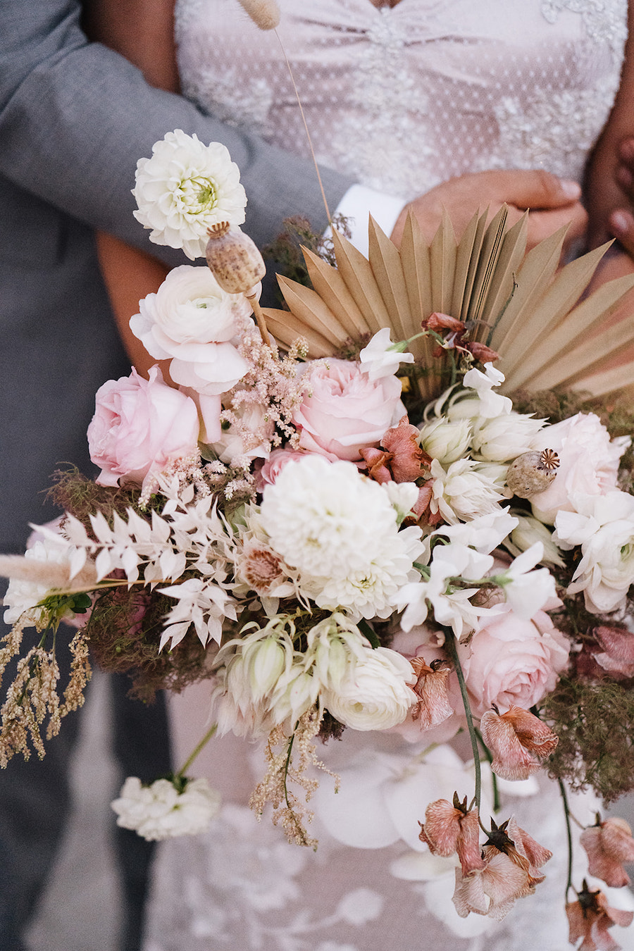 beautiful pastel bouquet for bride in los angeles