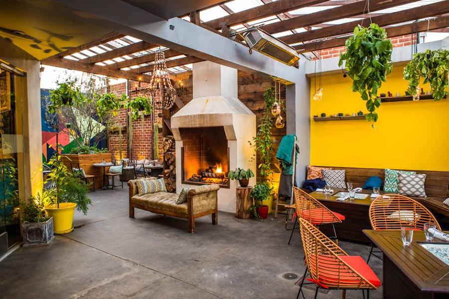 outdoor-patio-at-madera-kitchen-la
