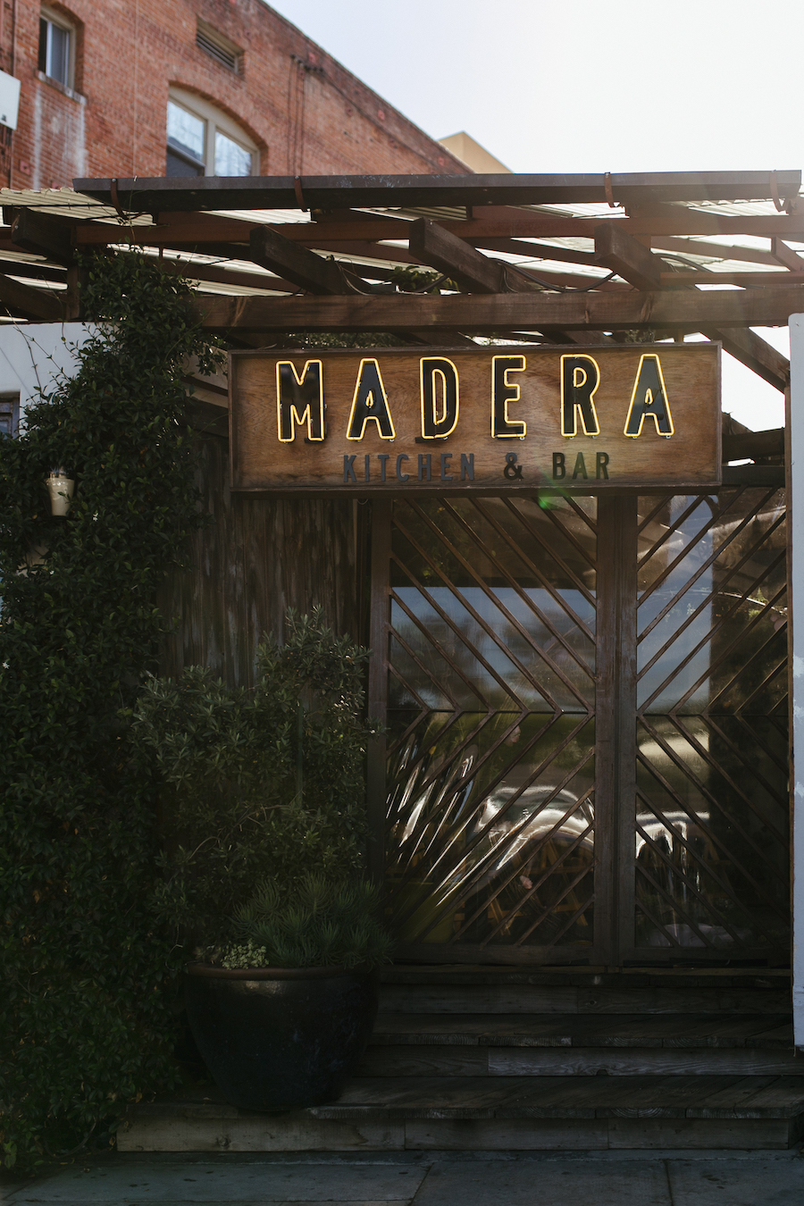 store front of madera kitchen la restaurant